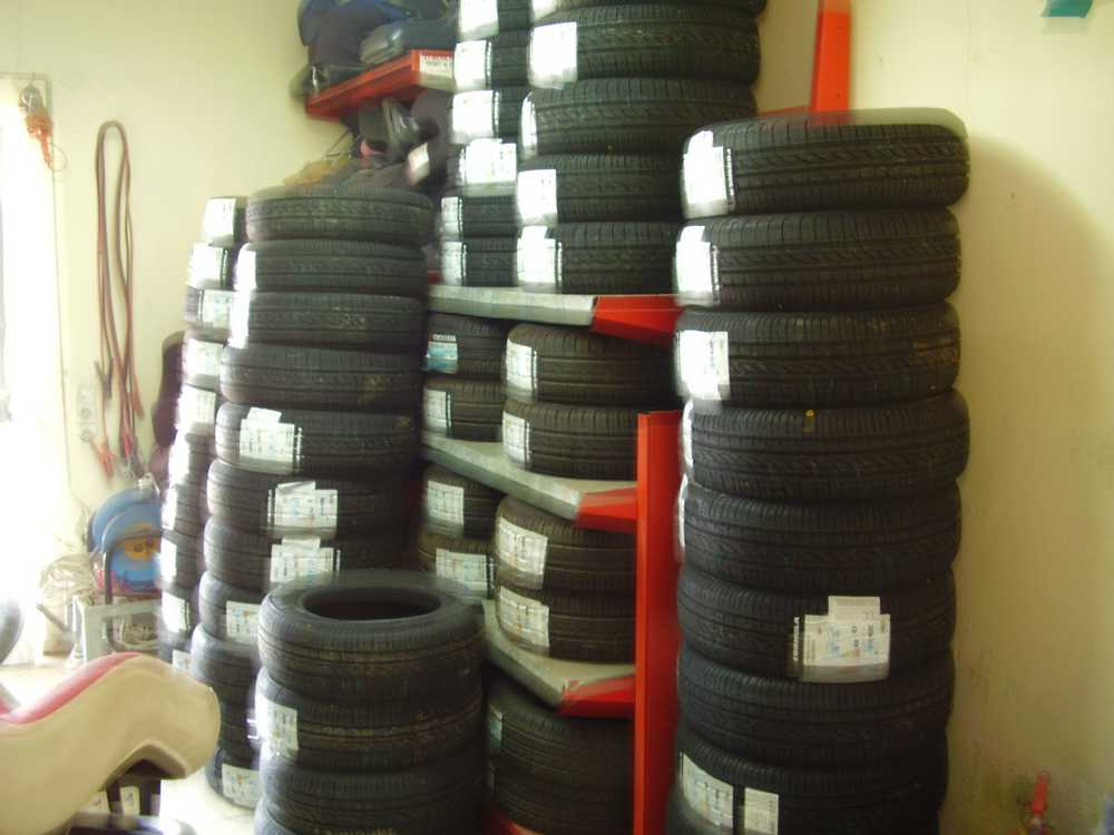 Athenscars cooperation with Pirelli